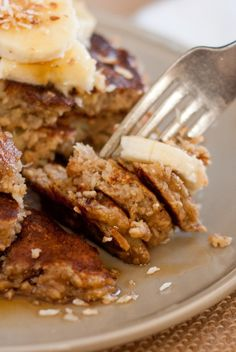 Freezer Friendly Gluten-Free Banana Oat Pancakes by cookieandkatea #Pancakes #Banana #Oatmeal #GF