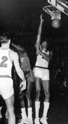 Wilt Scores 100pts in a single game