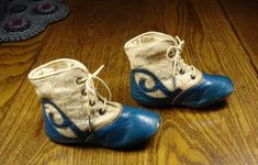 I would so like these in my size with a short heel - Merci ! ~ Antique Baby Shoes in Blue Leather dated 1905