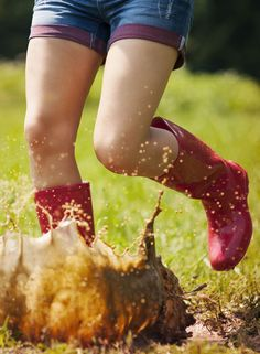 On rainy days it feels so much harder to entertain the children and stop them from getting bored and restless. Why not put your wellies on and let off some steam by jumping in some puddles. Rainy Day Activities, Indoor Activities, Getting Bored, Rainy Days, Children, Kids, Feels, Fun, Young Children
