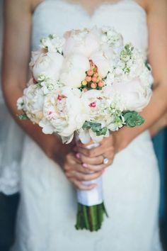 cynthia Chung photography - bouquet