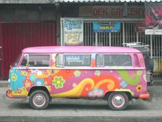 Volkswagen bus taken somewhere near Binondo, downtown Manila Volkswagen Bus, Volkswagon Van, Volkswagen Beetles, Van Hippie, Hippie Camper, Hippie Chic, American Graffiti, Harrison Ford, My Dream Car