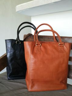 Bagera leather tote bags