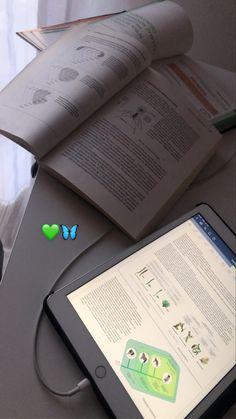 Study Organization, Study Pictures, La Formation, School Study Tips, Work Motivation, Study Space, Study Hard, School Notes, Good Grades
