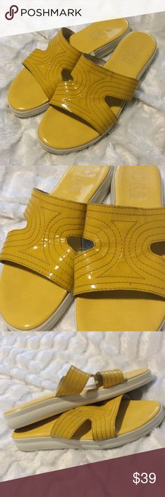 💛MK💛Yellow Patent Sandals Size 8 yellow patent leather sandals by Michael kors. Slip on style with white bottoms. In decent shape. Obviously preowned with some wear to em, but still very lovely with lots of life left. MADE IN ITALY Bundle any 2 items for 15% off or any 3 items for 25% off Michael Kors Shoes Sandals