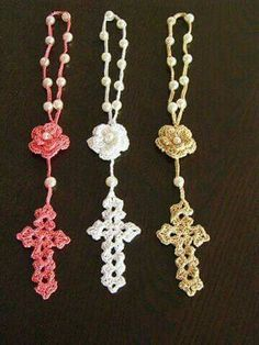 Diy Crafts - Picture of Cross Bookmarks in Thread Crochet Pattern Scrap Yarn Crochet, Diy Crafts Crochet, Thread Crochet, Crochet Gifts, Crochet Stitches, Crochet Projects, Crochet Patterns, Crochet Cross, Crochet Lace