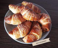 Lekváros kiflik, finom és elronthatatlan! - Egyszerű Gyors Receptek Izu, Pretzel Bites, Minden, Bread, Food, Deserts, Kitchens, Breads, Baking