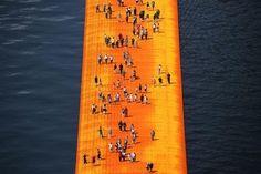 Moda: Grande #successo per la passerella di Christo sul lago d'Iseo (link: http://ift.tt/1UqwEGW )