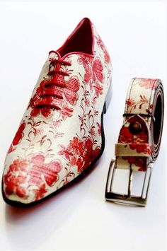 www.samaryounes.com  Uuuu :D Love those red flower shoes! www.mascolori.nl | Pop-up store in Amsterdam #InfraRedAir #KarlKonrad