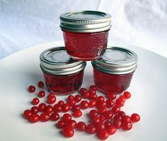 Highbush cranberry jelly, straight from your backyard! #recipes #canning #preserves
