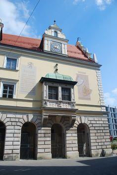 Ingolstadt, Bavière. Mairie vue de côté. https://www.facebook.com/destinationbaviere