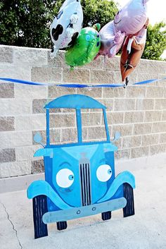 Throw a Little Blue Truck (the book) Party! — Chasing After Dear Creative Creative Birthday Party Table Decorations, Birthday Party Tables, 2nd Birthday Parties, Birthday Fun, Birthday Ideas, Birthday Recipes, Foto Flash, Birthday Man Quotes, Diy Photo Booth