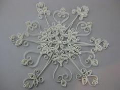 Mega•Crafty: Tutorials: Snowflake Tree topper and a few more ornaments