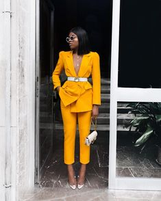 Nice yellow suit for office Suit Fashion, Work Fashion, Fashion Looks, Style Fashion, Monochrome Fashion, Yellow Fashion, Feminine Fashion, Classy Fashion, Fashion Trends