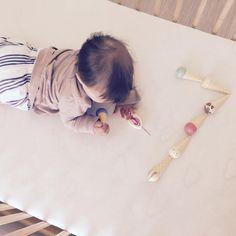 And one more happy Seven! Good night Monday... #bobochoses #smallable #sevenmonthsold #livingwithkids #lebenmitkindern #siebenmonatealt #instamom #kidsfashion #stripesandrosé  #Regram via @lilacs_and_violets