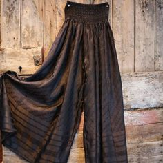 Available on Etsy: BaroccoTribal Flow Pants, Med. Sari Blouse Designs, Kurta Designs, Trousers Women, Pants For Women, Clothes For Women, Womens Fashion Online, Fashion Tips For Women, Crop Top Outfits, Cool Outfits
