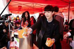 EXO | EXO-M | Zhang Yixing (lay) | 150213 | Aima Bikes Guangzhou Charity Event | Facebook