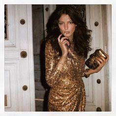 "53 likerklikk, 1 kommentarer – Claire Thomson-Jonville (@clairethomsonjonville) på Instagram: ""The Saturday Night #parisbynight #statementdress #nomakeup #howtobeaparisian #dariawerbowy…"""
