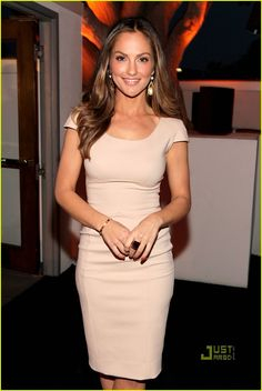 Minka Kelly--your neutral dress is gorg. (but so is your face/hair/general being)