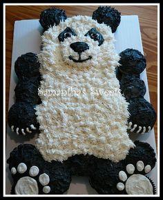 Pull-Apart Panda Bear Cupcake-Cake by www.samanthasweets.blogspot.com Panda Cupcakes, Kid Cupcakes, Pull Apart Cupcake Cake, Pull Apart Cake, 12th Birthday Cake, Birthday Cake Girls, Panda Bear Cake, Panda Panda, Different Types Of Cakes