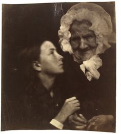 The Grandmother by Julia Margaret Cameron, England, Victoria and Albert Museum Vintage Photographs, Vintage Photos, Vintage Portrait, History Of Photography, Museum Photography, Portrait Photography, Old Pictures, Old Photos, Calcutta