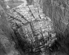 """This 1934 photo shows concrete being poured into pillars of the under-construction Hoover Dam. At the time it was known as the """"Boulder Dam"""" – it wouldn't become the Hoover Dam until 1947 – and back then it was the biggest concrete structure ever built. Hoover Dam Construction, Under Construction, Bridge Construction, Rare Historical Photos, Rare Photos, Trafalgar Square, Old Pictures, Old Photos, Vintage Photos"""