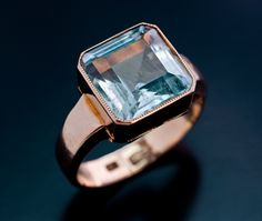Art Deco Russian Aquamarine Ring  made in Moscow between 1908 and 1917 - 56 zolotniks rose gold ring set with a step-cut aquamarine  (approximately 5 ct
