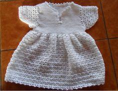 Robe de baptême - Explications dans le lien #crochet #bebe #layette Robes Tutu, Two Piece Skirt Set, Knitting, Skirts, Dresses, Babys, Fashion, Toddler Dress, Baby Dresses
