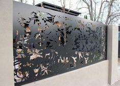 19 Stunning modern gate design ideas - Local Home US - Home Improvement Laser Cut Screens, Laser Cut Panels, Laser Cut Metal, Laser Cutting, Metal Gates, Metal Screen, Metal Fences, Tor Design, Fence Design
