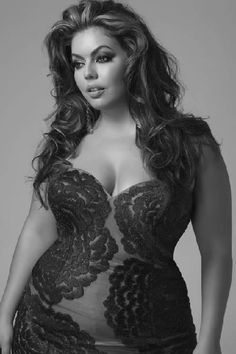 Now she is sexy! Big curvy plus size women are beautiful! Xl Mode, Mode Plus, Curvy Fashion, Plus Size Fashion, Fashion Beauty, Beautiful Curves, Sexy Curves, Beautiful Gorgeous, Absolutely Stunning