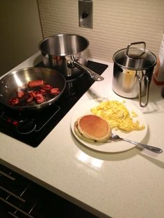 Candlewood Suites.  Breakfast #suitelife. Image by @teflonthadon via Twitter