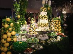 Saiba tudo sobre o evento Degustar 2014: o melhor da decoração e alta gastronomia para seu casamento. Conferimos de pertinho este evento super badalado realizado no Espaço Traffô em São Paulo.
