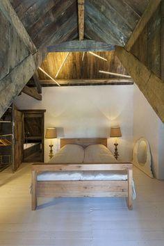 wood beam bedroom - mill mavaleix - chalais france - piet hein eek - photo by thomas mayer