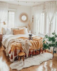 Room Ideas Bedroom, Bedroom Inspo, Bedroom Designs, Bohemian Bedroom Design, Bohemian Decor, Bedroom Decor Boho, Boho Teen Bedroom, Bohemian Dorm Rooms, Mirror Bedroom