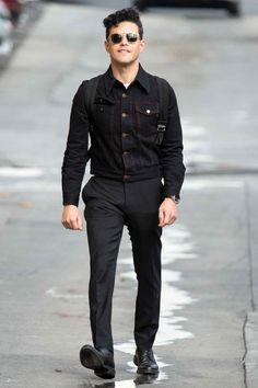 Wear Your Denim Jacket More Like Rami Malek Hottest Male Celebrities, Cute Celebrities, Celebs, Rami Malik, Casual Outfits, Men Casual, Attractive Men, Mens Fashion, Fashion Trends