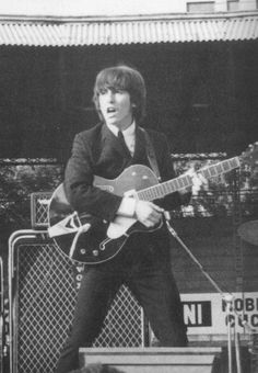 George at the performance in Genoa The Beatles: Unseen by John Howard George Harrison, Great Bands, Cool Bands, Guitar Guy, Guitar Tabs, Music Guitar, The Fab Four, The Clash, Ringo Starr