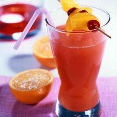 Cocktail sans alcool : canneberge et orange.