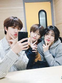 Starship Entertainment, Seong, Cute Korean, Profile Photo, Kpop Aesthetic, Beautiful Moments, Kpop Boy, K Idols, South Korean Boy Band