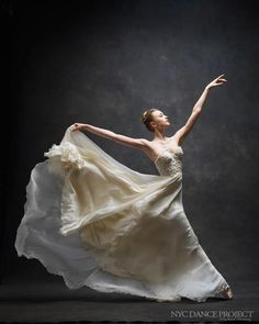 Through the NYC Dance Project, Ken Browar and Deborah Ory capture the exact moments when dancers are at their best. Pictured: Miriam Miller of the NYC Ballet. #dance #photography