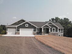 House Exterior Craftsman Ranch Garage 53 Ideas For 2019 House Paint Exterior, Exterior House Colors, Garage Exterior, Building Exterior, Gray House Exteriors, Grey Homes Exterior, Car Garage, Grey Siding House, Craftsman Home Exterior