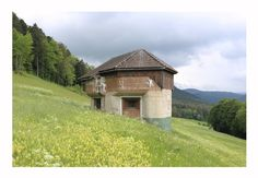 Bunker - Camouflaged - Suisse