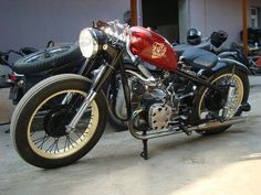 Classic bobber American Motorcycles, Bmw Motorcycles, Vintage Motorcycles, Custom Motorcycles, Custom Bikes, Russian Motorcycle, Bmw 100, Jeep Garage, Bobber Style