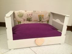 Cat/dog DIY bed using a wooden box fruit