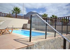 Luxury Villa in San Eugino Tenerife Bedrooms: 5 | Bathrooms: 3 | Sleeps: 10 | Private Pool | Setting: Quiet urban | Car recommended: yes from £2250