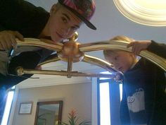 The apple doesn't fall too far from the tree ;) [ Justin Bieber & his bro ]