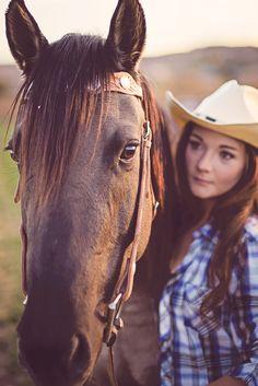 Senior pictures.  Horse photography.  Senior photography