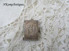 Antique souvenir book pendant 1910 Lourdes by Nkempantiques