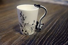 Guitar Black And White Coffee Mug, New Creative Guitar Music Handgrip Mug, Ceramic Mugs Coffee Cup/Novelty Gift, Black Stave Cup Mug