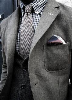#Farbbberatung #Stilberatung #Farbenreich mit www.farben-reich.com Twill weave jacket, herring bone vest and tie, gingham shirt, plaid pocket square