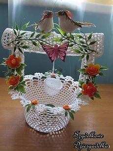 Floral crochet doily with swans-holiday doily by KroneCrochet Crochet Vase, Crochet Bouquet, Crochet Gifts, Crochet Doilies, Crochet Flower Tutorial, Crochet Flower Patterns, Crochet Designs, Crochet Flowers, Christmas Crochet Patterns
